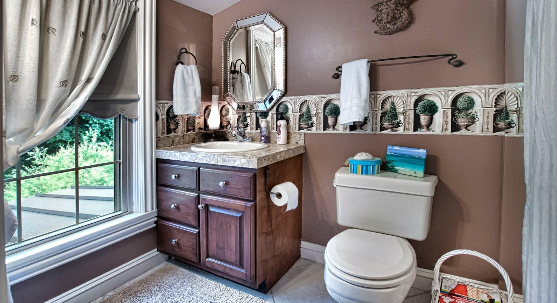 Love Bathroom